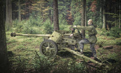 Photo of Pak40 Anti-tank Gun with Crew (RU-280059)