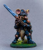 Photo of MOUSE PALADIN WITH TWO HANDED SWORD (DSM8069)